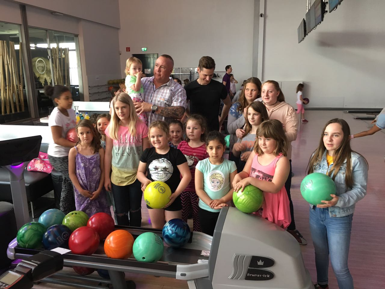Kinder Disco und Bowling am 21.4 2018 im Pin Up Borheim
