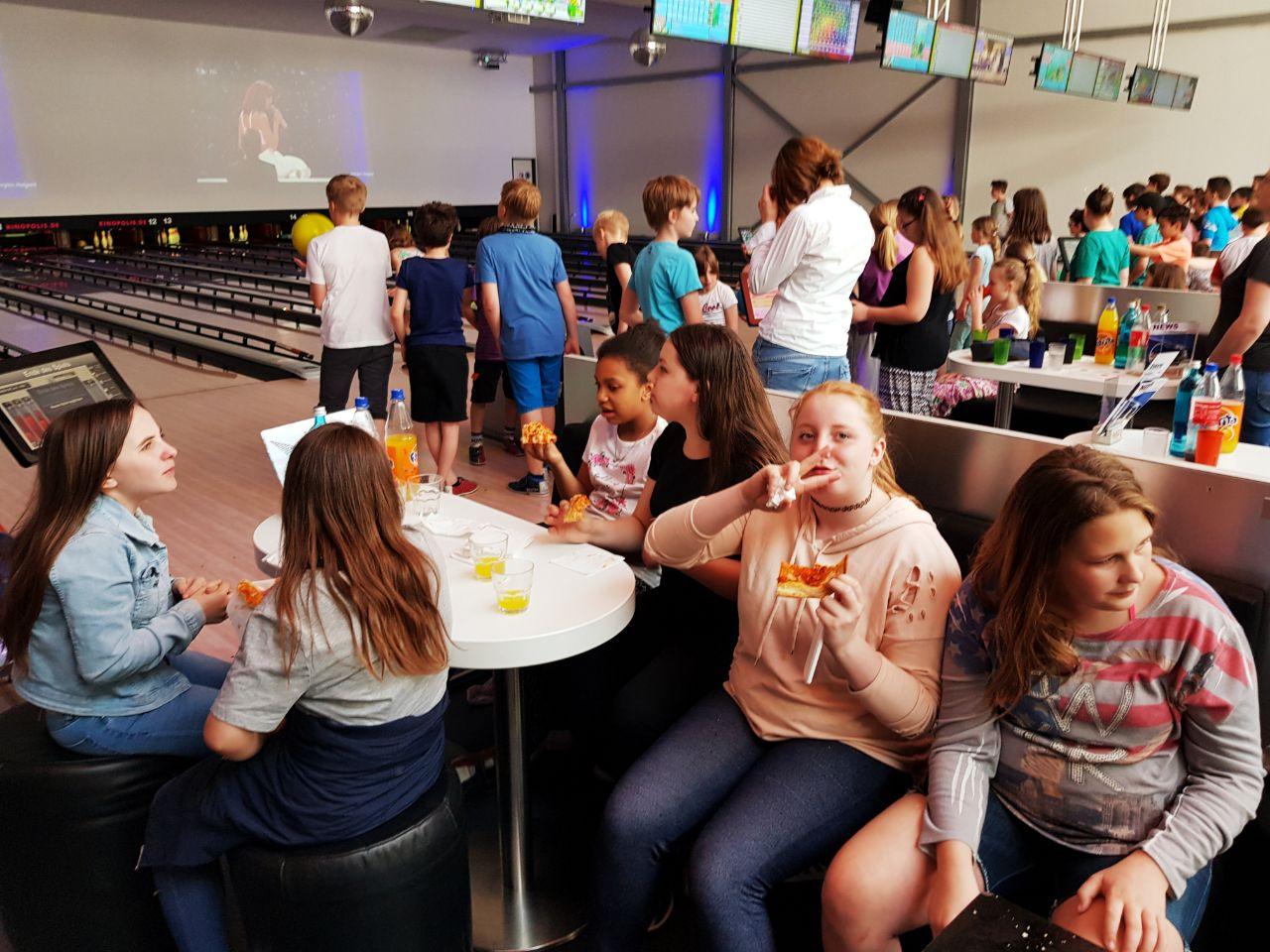 Kinder Disco und Bowling am 21.4 2018 im Pin Up Borheim